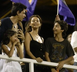 srk family at ipl 7